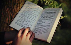 Membaca Merupakan Kebiasaan yang Baik Bagi Pelajar dan Anak-anak