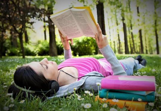 Pentingnya Membaca Buku Dalam Hidup